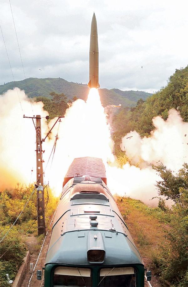 북한 미사일 발사도 모르면서 전작권 환수하면